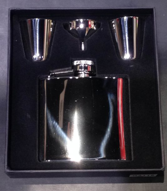 R3115 SS hipflask with funnel & cup